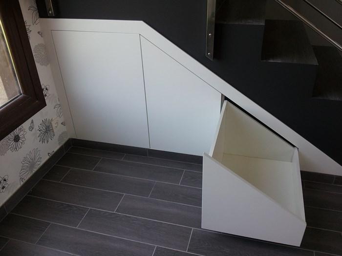 Aluarmo fabrica de cocinas de aluminio for Muebles bajo escalera fotos